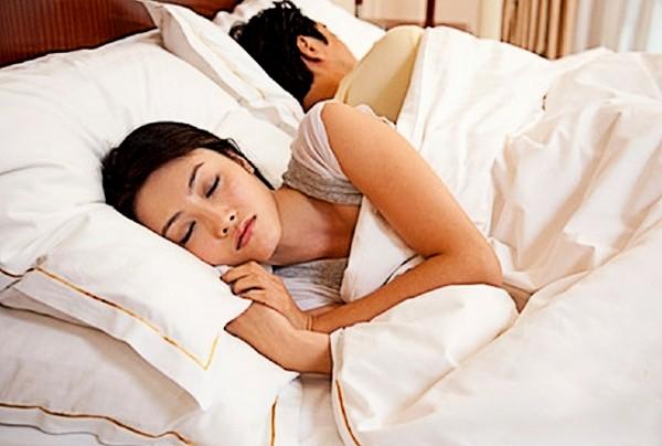 Thận yếu dẫn đến giảm hứng thú trong quan hệ tình dục