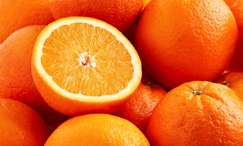 ăn cam giúp cô bé thơm